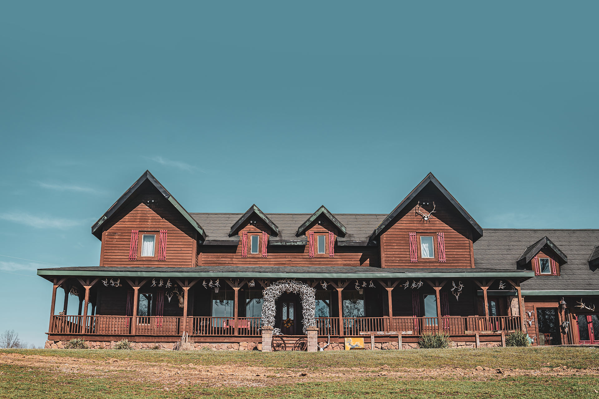 Lodge For Rent In Southern Illinois Samsons Mountain Whitetail Deer