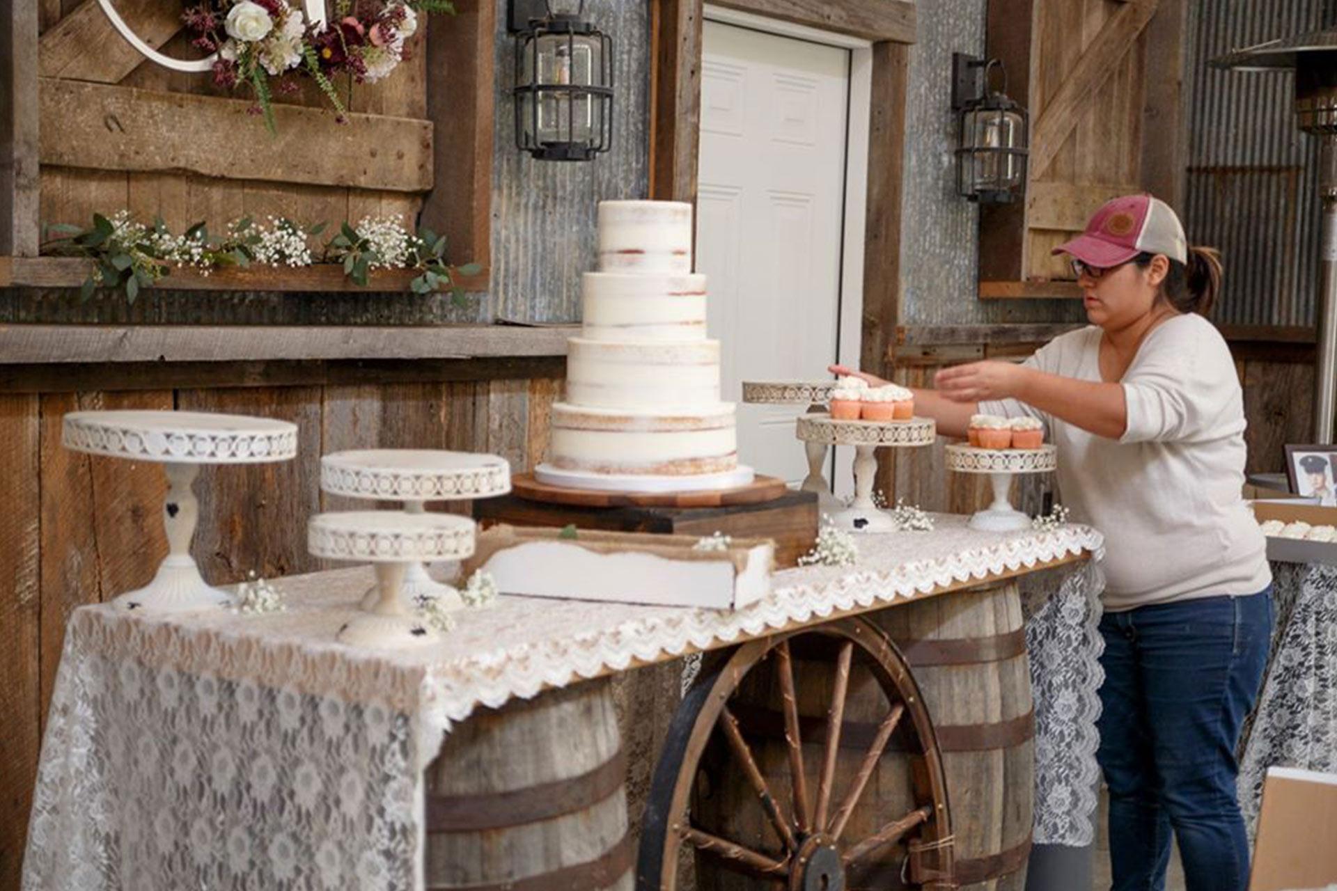 Rustic Wedding Cake In Southern Illinois Samsons Mountain Whitetail Deer