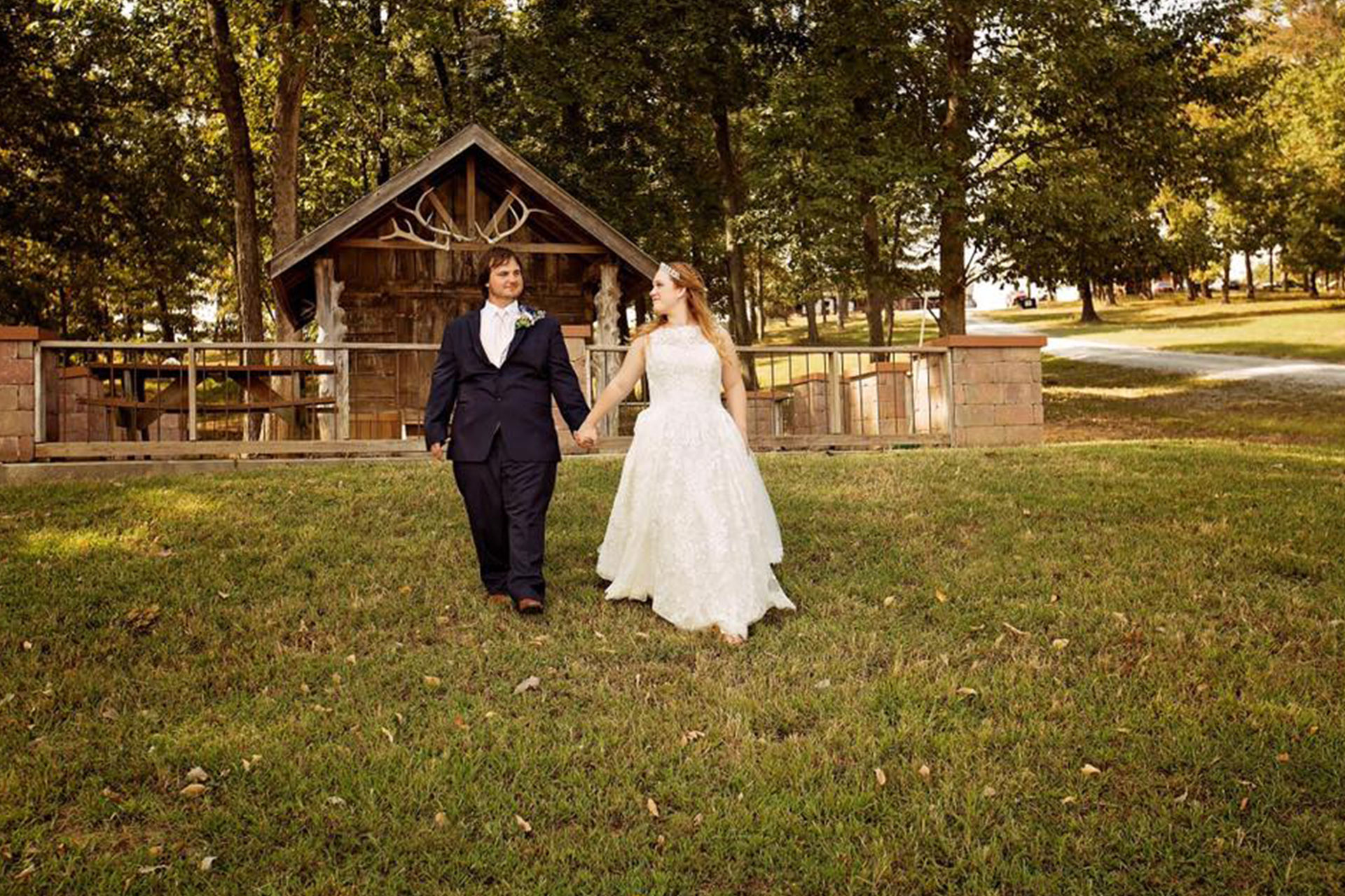 Rustic Wedding Venue In Southern Illinois Samsons Mountain Whitetail Deer