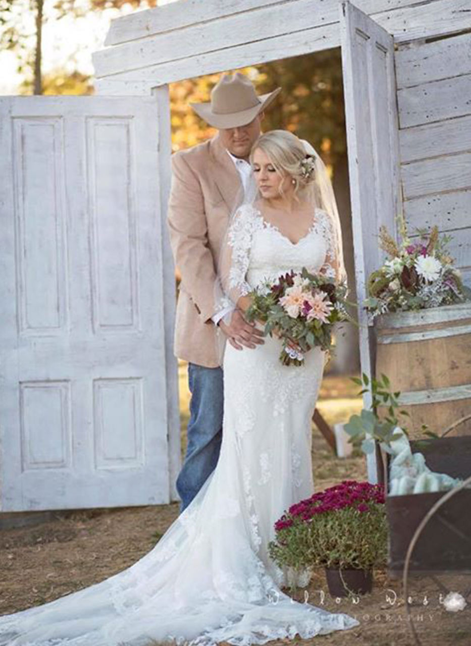 Country Wedding Venue In Southern Illinois Samsons Mountain Whitetail Deer