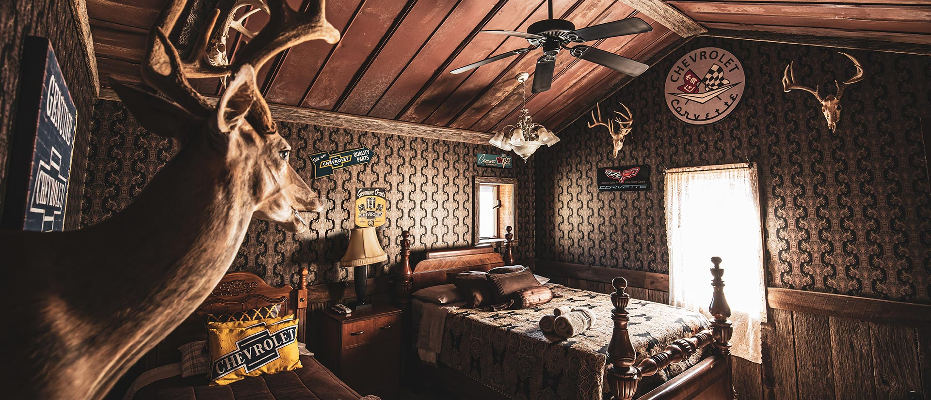 Hunting Lodge For Rent In Southern Illinois Samsons Mountain Whitetail Deer